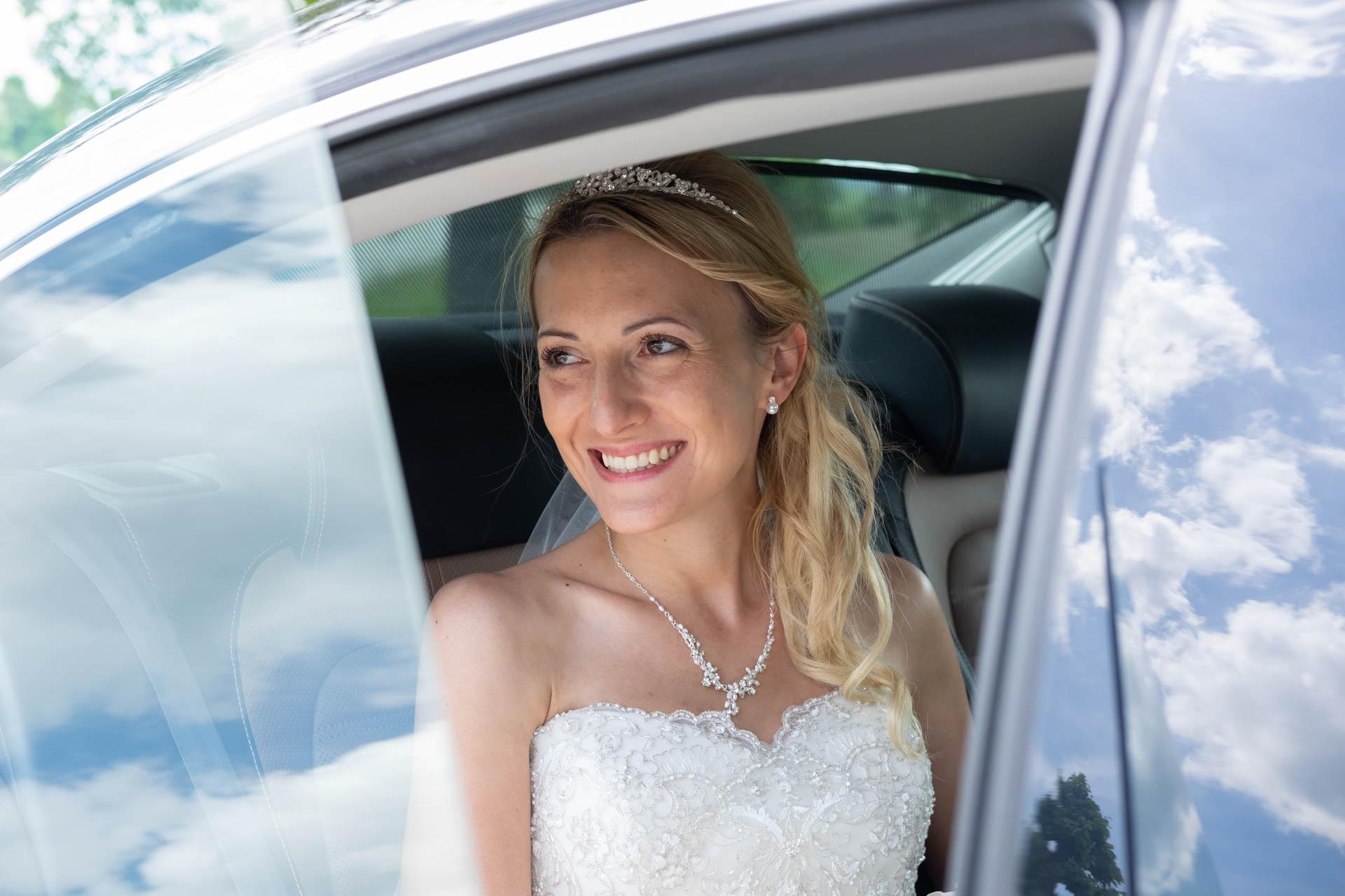 Brautshooting im Auto